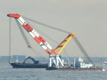 クレーン船_640