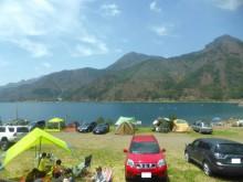 湖畔のオートキャンプ場_640