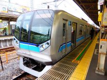 東西線05系new・つり目の斬新なデザイン・中野区_640